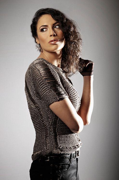 Zaho Album: Contagieuse Photographe: Koria Date: 02 Mai 2012