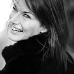 La très sexy Marion Dumas se dévoile entièrement à Stars-media.