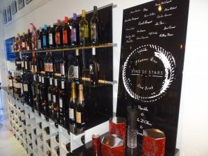 Un large choix de vins appartenant à des célébrités.