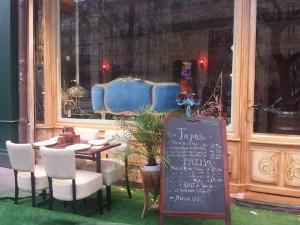 """Un cadre fort élégant pour le restaurant """"Borbones Tapas""""."""