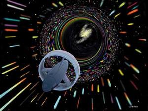 Un vaisseau spatial pénétrant dans un Trou de Ver.