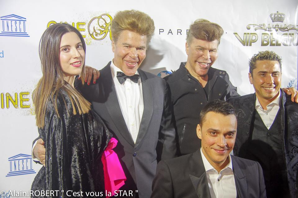 De gauche à droite, Carine Benkaid, les frères Bogdanoff, Alexandre Bodart Pinto et l'artiste peintre Anis Dargaa
