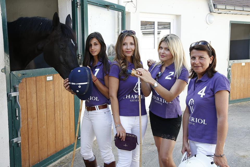 De gauche à droite : Bonny Ahnine, Marie-Olga Charriol, Celyne Durand et la capitaine Emmanuelle Morandi.