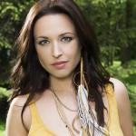 Natasha St-Pier nous dévoile son nouveau clip: « Tous Les Acadiens »