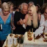 Massimo Gargia fête ses 76 ans à Saint-Tropez lors d'une réception somptueuse.
