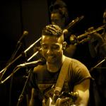 A la découverte du chanteur mauricien Hans Nayna