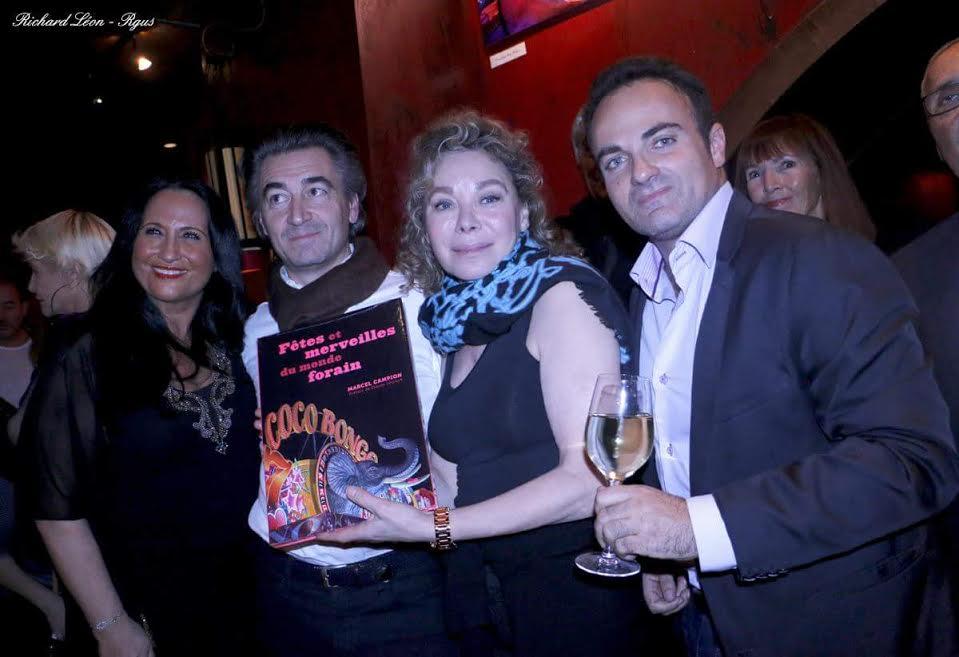 Maya Shane, Jean-PIerre Jacquin, Grâce de Capitani et Laurent Amar. Grâce tient dans ses mains le livre de Marcel Campion.