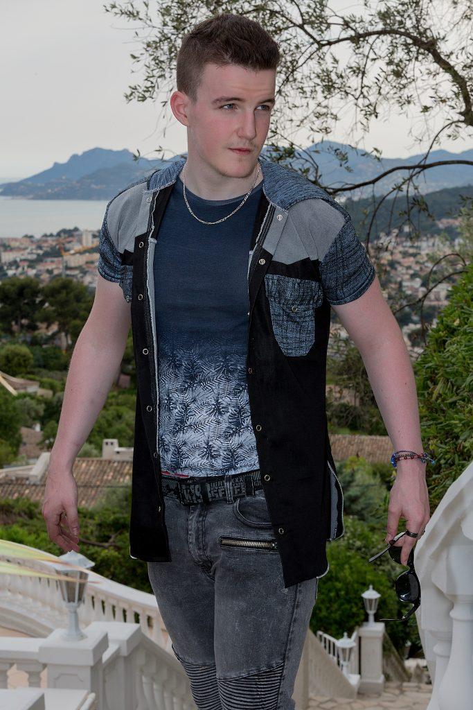 Kowell dans les jardins de la Villa Fashion Glam Couture