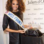 Le bijoutier Julien d'Orcel dévoile la couronne de la prochaine Miss France