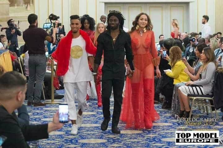 Fabrice Mahi et ses modèles