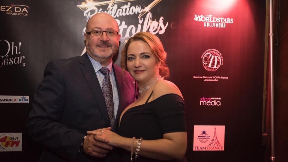 L'organisatrice de l'évènement Anastasia Gaï en compagnie de son partenaire, le célèbre Oscar Sisto.